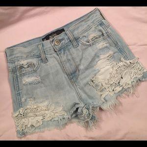 Hollister Short-Short high rise denim shorts